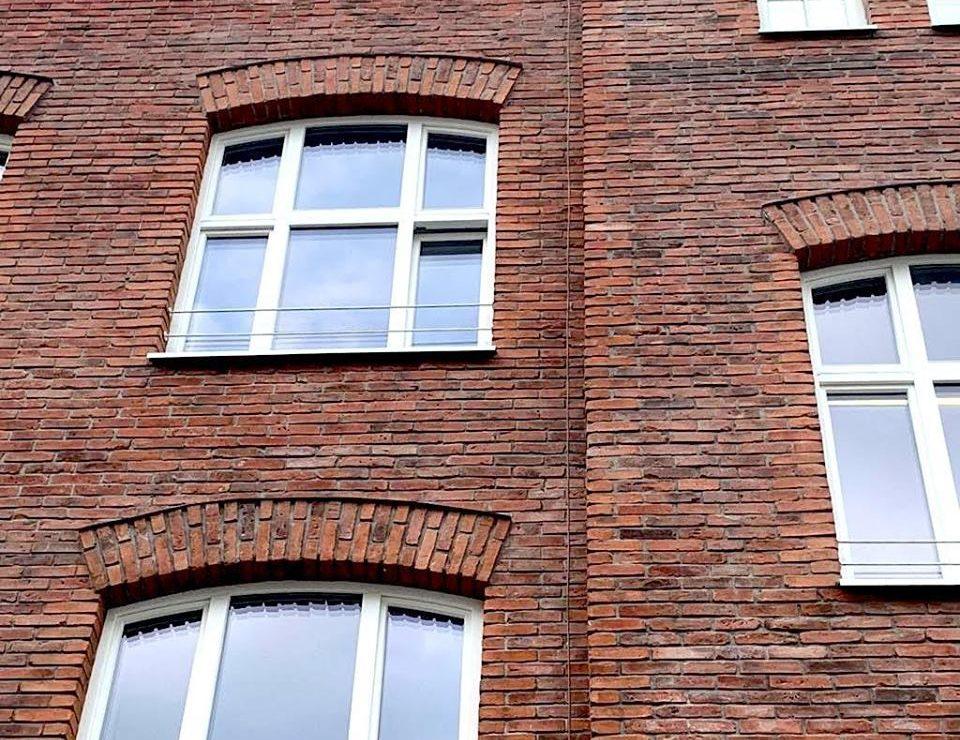 Płytki Stara Cegła MILKE kolor naturalny na elewacji budynku